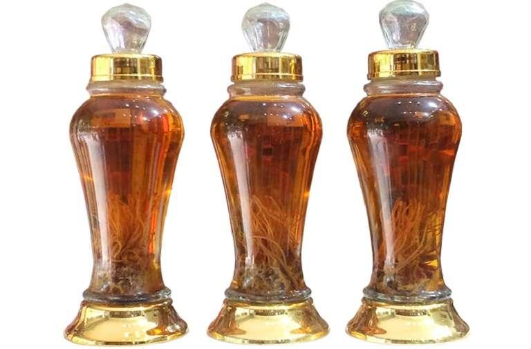 Sử dụng trùng thảo ngâm rượu giúp mang đến thức uống thơm ngon, tốt cho sức khỏe