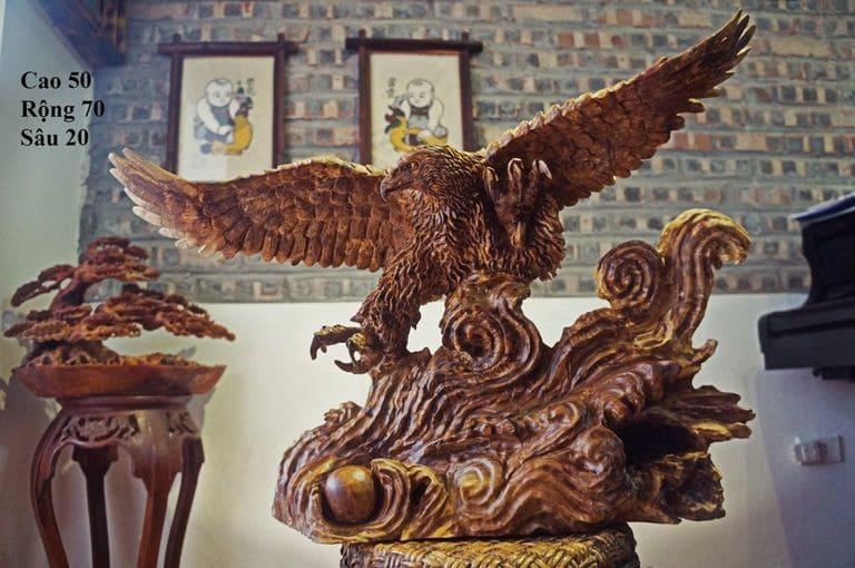 Đại bàng tượng trưng cho sức mạnh và sự quyền uy, món quà cho sếp hoặc đối tác