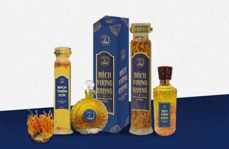 Rượu Bách Vương Khang được thêm vào trong các set quà